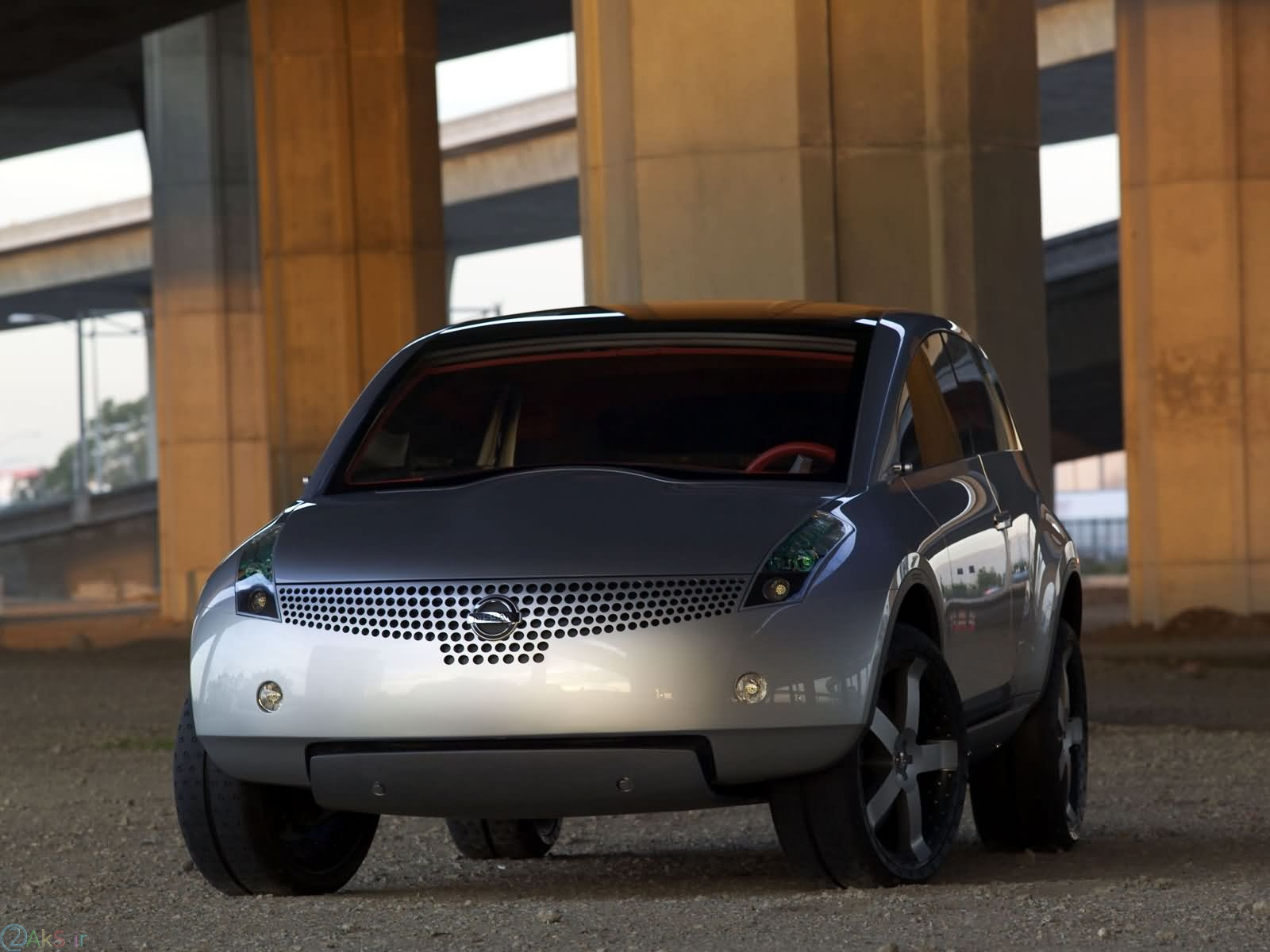 اتومبیل Nissan Actic