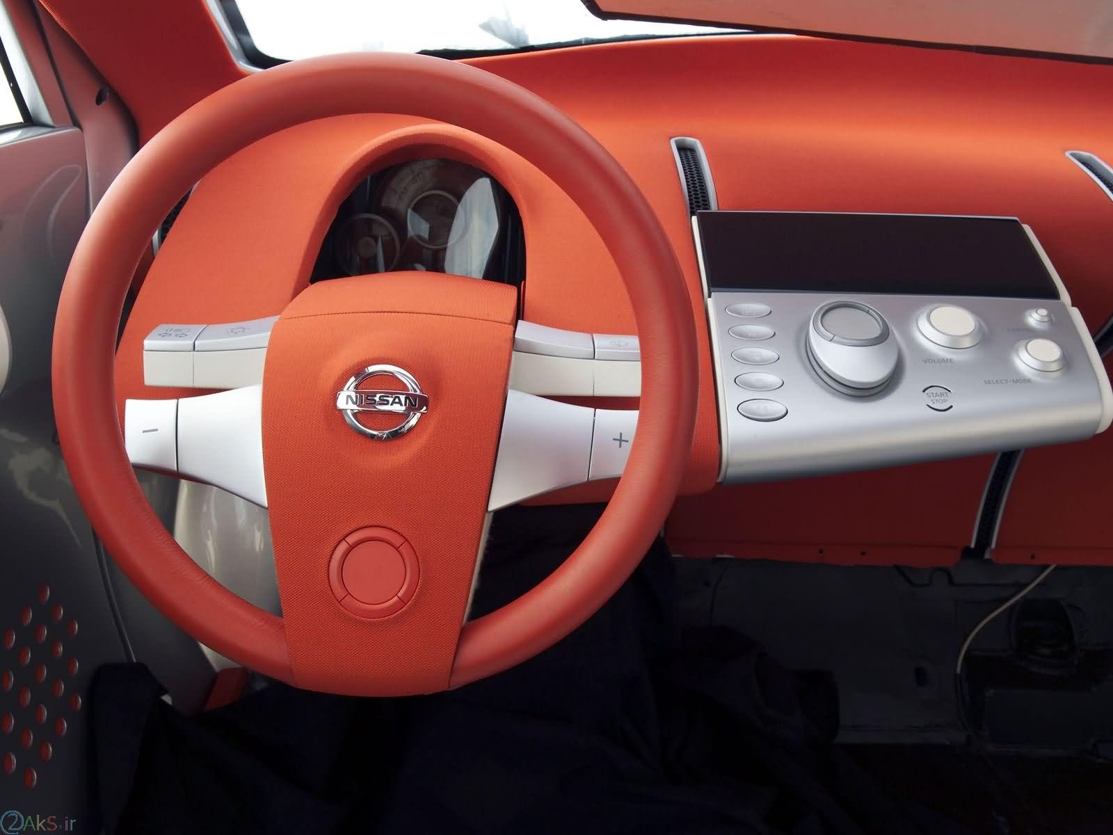 داخل Nissan Actic