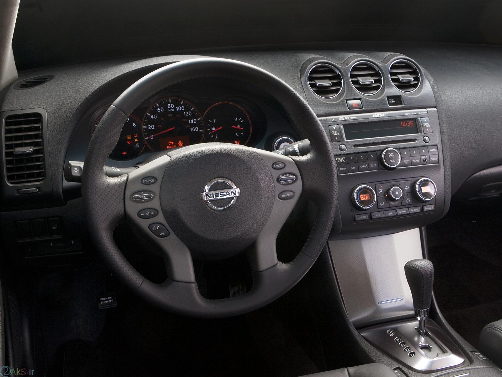 داخل Nissan Altima