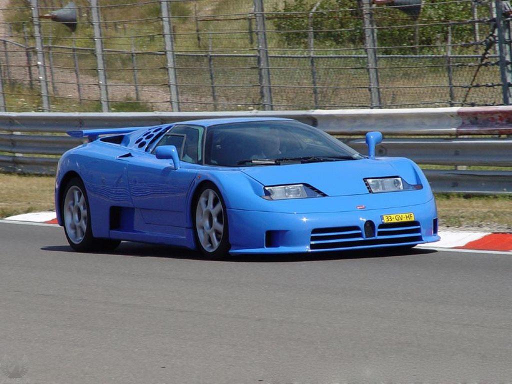 Bugatti EB 110 آبی