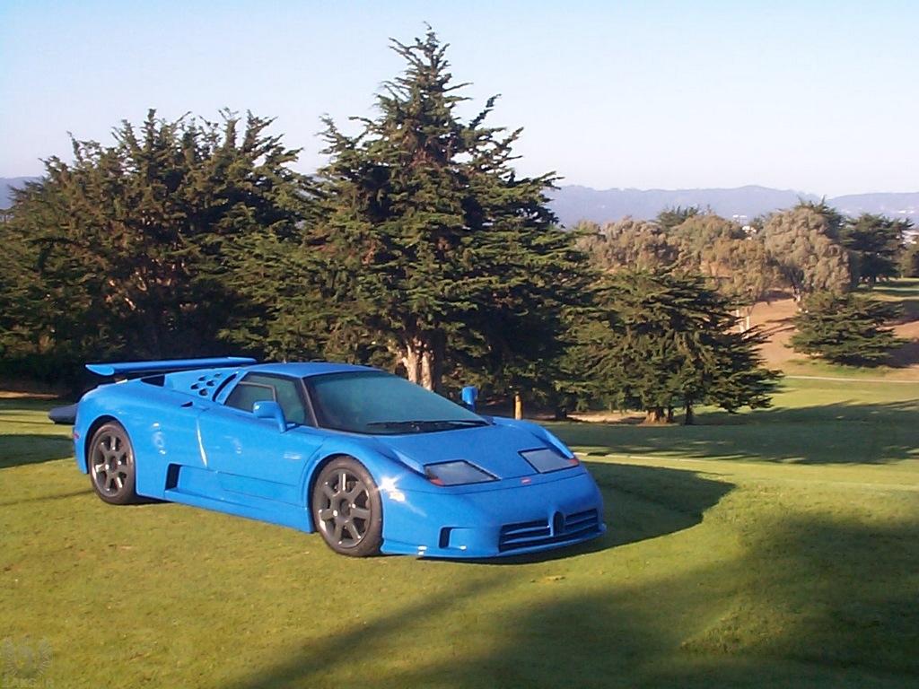 Bugatti EB 110 بسیار زیبا