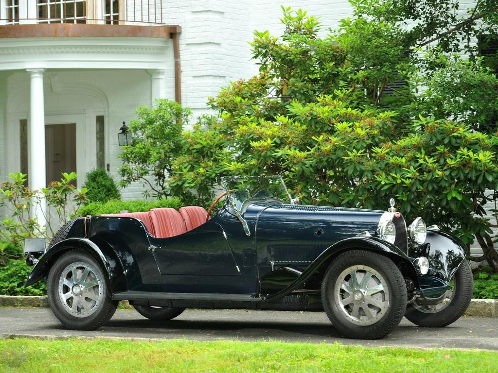 Bugatti Type 43 مشکی