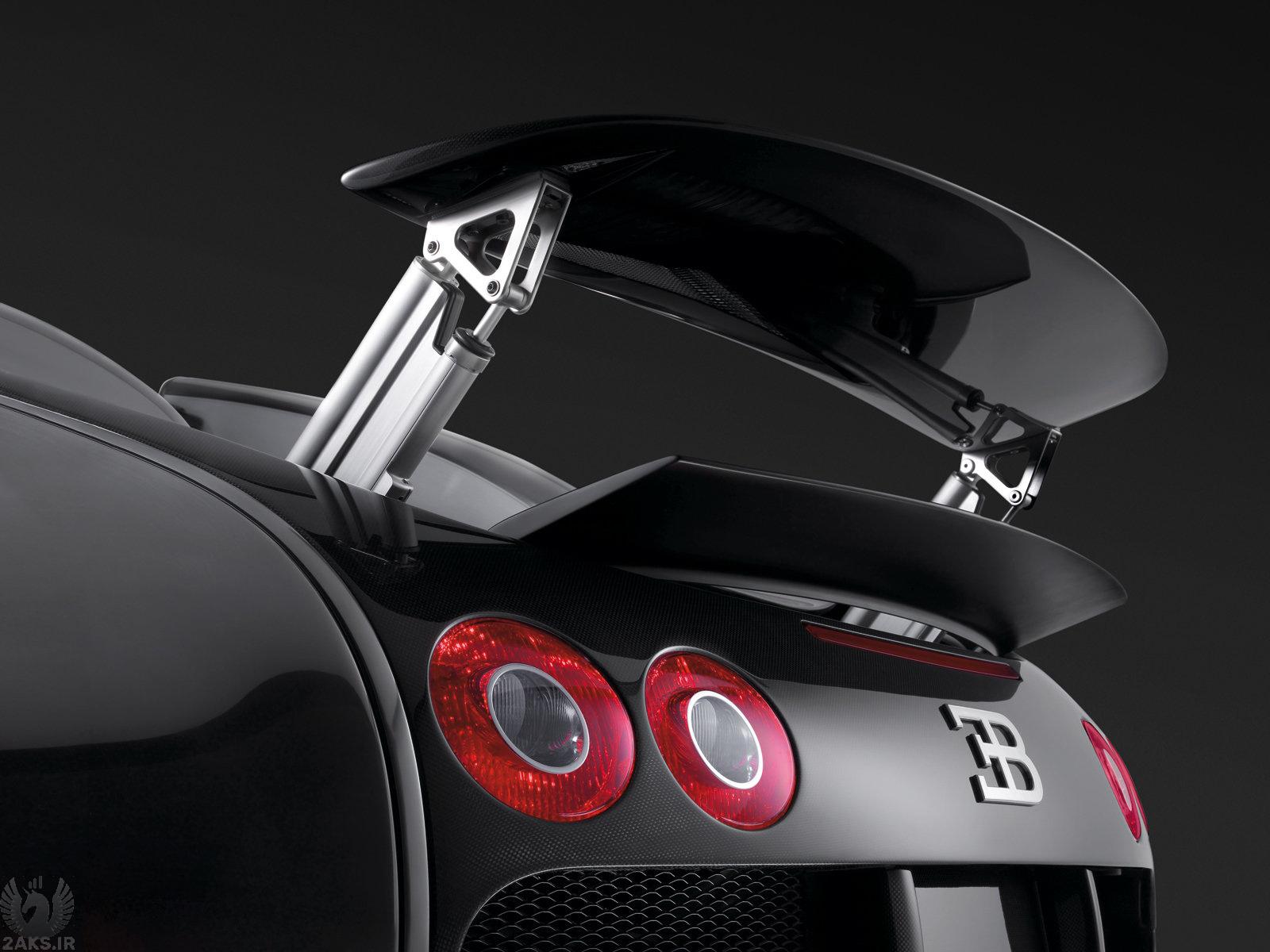 Bugatti Veyron siah