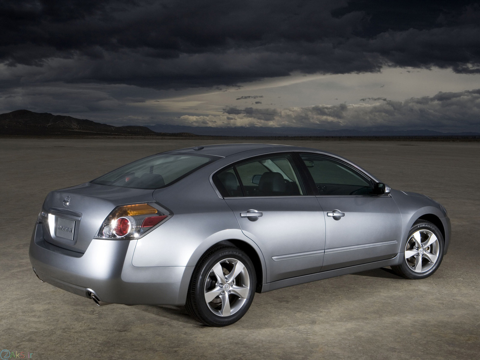 jwh,dv Nissan Altima
