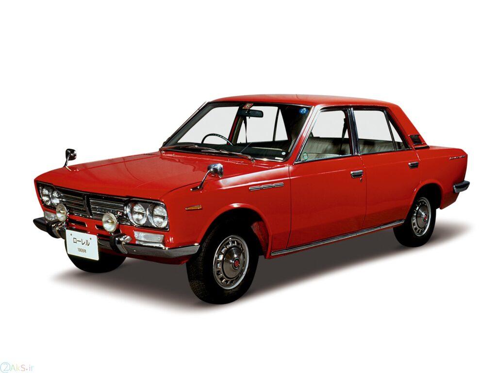 Nissan Laurel قرمز