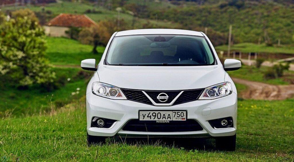 دانلود عکس Nissan Tiida
