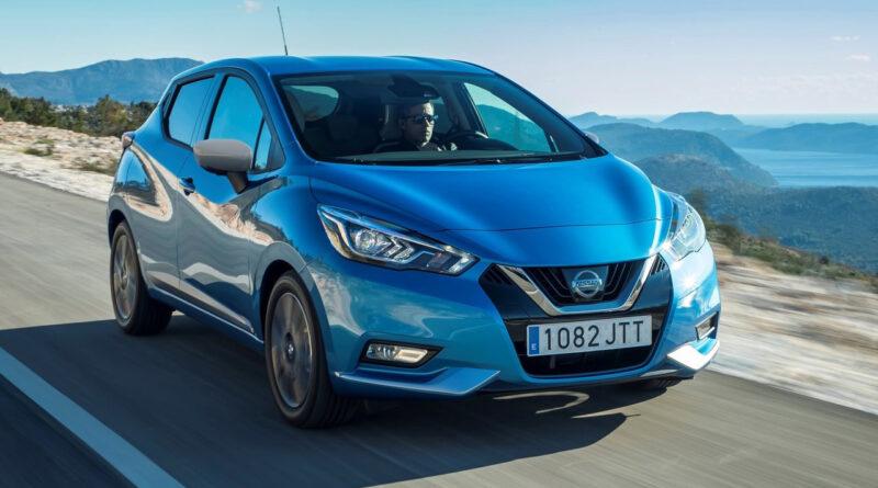 Nissan Micra آبی